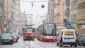 Vyštrachejte deštníky! V Praze bude příští týden deštivo a po ránu mrznout