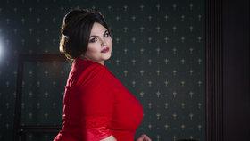 Šaty na silvestrovskou párty pro plnoštíhlé: Kde seženete ty nejkrásnější?