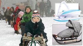 """Místo sáněk můžete osedlat i """"žehličku"""". Expertka poradila, na jakém sněhu jezdit"""