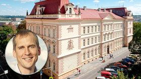 """Praha 7 """"vykopla"""" oblíbenou ředitelku školy, rodiče se vzbouřili. Zrušení konkurzu opozici neprošlo"""