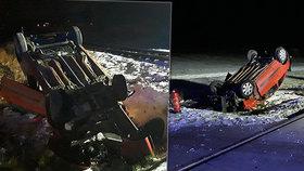 Řidička úplně přehlédla vlak: Děsivý náraz odmrštil auto na střechu!
