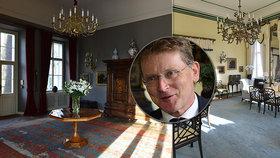 """Nejkrásnější zahrada i výhled v Praze? Britský velvyslanec Nick Archer si v podhradí žije jako """"král"""""""
