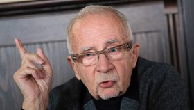 Ombudsman navrhl zprostit lékaře týraných pacientů mlčenlivosti: Pomůže to bezbranným
