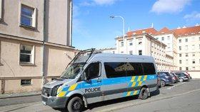 """Pražský policista měl """"nadržovat"""" svému podřízenému zeti. Soud podvod neprokázal"""