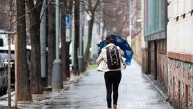 Do Prahy se valí déšť a teplo: Příští týden bude až 10 stupňů nad nulou