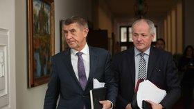 Obchodní centra v Česku vláda zavře do deseti dní, tvrdí Prymula. Hromadí se tam děti