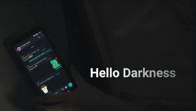 WhatsApp následuje trendy. Od března nabízí zobrazení v tmavém režimu
