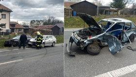 Otřesná nehoda na Rychnovsku: Řidič po kolizi vypadl z okénka, přejelo ho další auto
