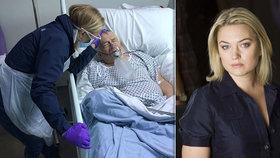 Hvězda Transformers v slzách: Její otec zemřel na koronavirus! Drsné foto těsně před smrtí