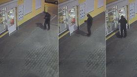 Ozbrojený muž s rouškou vyloupil benzinku: Útok zachytila kamera
