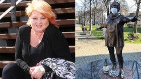 Tři roky od smrti Věry Špinarové: Kontroverzní socha se dočkala zvláštní změny!