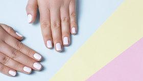 Jak odstranit gelové nehty doma? Takhle to zvládnete i sama