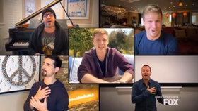 Koncert z obýváku kapely Backstreet Boys: Legendárním hitem proti koronaviru!