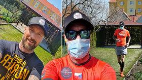 Petr Vágner a jeho bizarní výzva: Za osm hodin na své malé zahradě uběhl maraton!