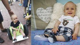 Vážně nemocnému Adámkovi (1) se krátí čas! Pomozte, burcují policisté, hasiči i záchranáři