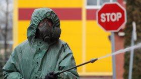 Blíží se katastrofa? Rusko hlásí rekordní počet nových nakažených, stále bojuje i USA