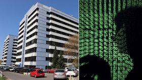 Kyberútoky na české nemocnice pobouřily i Američany. Trumpův muž hrozí hackerům