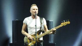 Sting na třetí pokus: Slavný rocker kvůli koronaviru znovu přeložil koncert ve Slavkově