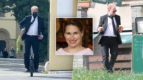 Ekonom Sedláček pochoval svou ženu Markétu (†43): Z obřadu na jednokolce odjel na pivo!