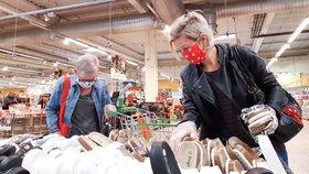 Obchoďáky pocítí koronavir ještě dlouho. Čtvrtina Čechů plánuje omezení nákupů