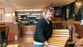Restauratéři se bouří proti zkrácení otevírací doby: Vždyť oni nás prakticky zavřeli