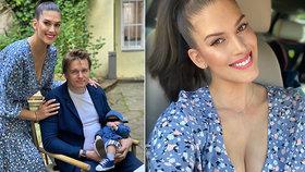 Máma Aneta Vignerová dala na odiv napěchované poprsí: Do očí se jí dívat nebudete!