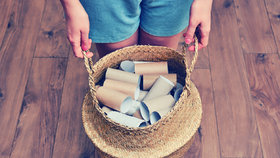 8 překvapivých nápadů, jak využít ruličky od toaletního papíru a utěrek