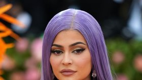 Svět přišel o nejmladší miliardářku! Kylie Jennerové (22) hrozí i vězení