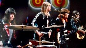 Zemřel baskytarista legendární glamrockové kapely The Sweet Steve Priest (†72)