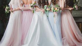 Etiketa oblékání pro svatebčanky: Která striktní pravidla jsou podle návrhářky už dávno passé?