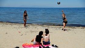 Evropské turistické ráje se otevírají. Zuzana už je na Rhodosu, to Turecko se zlobí