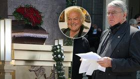 Harapes si spletl pohřeb! Trapas na posledním rozloučení se zpěvákem Černohouzem (†77)