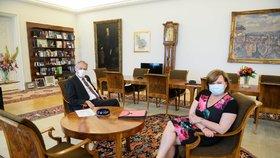 Zemanův hradní frmol: Schůzky se Schillerovou, Maláčovou i Hamáčkem. Žhavým tématem rozpočet