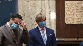 Epidemiologové řekli Vojtěchovi názor na zpřísnění opatření. Ministr chystá oznámení