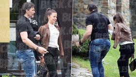 Jágr s novou kráskou ve Špindlu! Vodili se ruku v ruce, pak skončili na luxusní párty...