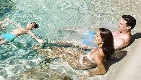 Písečné pláže u bazénu na zahradě. Super trend nebo šílenost?