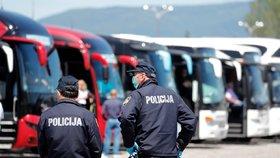 Nepříjemný závěr dovolené v Chorvatsku: Autobus plný Čechů drželi na hranicích!