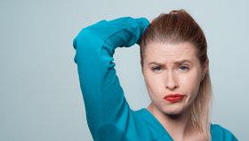 Jak se zbavit ošklivých skvrn od potu? Tyhle triky vám pomohou!