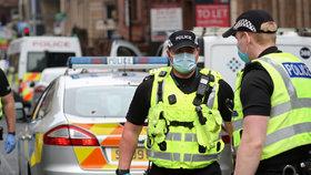 Mluvil s právníkem, pak pobodal šest lidí. V Glasgow útočil psychicky narušený migrant
