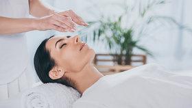 Vyzkoušeno na vlastní kůži: Jak probíhá kraniosakrální terapie a co dokáže vyřešit?