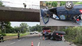 Opilec se v Hradci Králové s autem zřítil z mostu: Za volant usedl s 2,5 promile!
