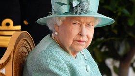 Královna Alžběta zaměstnávala zloděje! Ukradené klenoty prodával na internetu