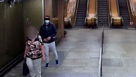 VIDEO: Okrádal v metru stařečky s berlemi! Kapsáře už chytli, kvůli nouzovému stavu mu hrozí osm let v base