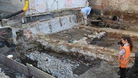 Dvůr v Orlí ulici vydal středověké tajemství: V centru Brna odkryli domy starší než Špilberk