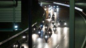 Motocyklová vyjížďka zablokuje v sobotu večer Prahu: Trasa vede přes historické centrum až na okraj
