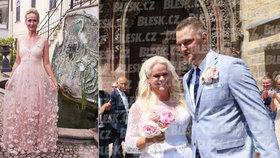 Překvapení na svatbě Štikové (48): Monika odtajnila krásnou sestru s uměleckou duší!