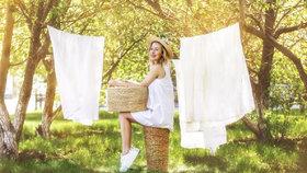 Venkovní sušení prádla. Jak na to, abychom si ho nezničili?