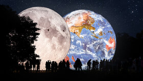 Měsíc bude na dosah Země: Brněnská hvězdárna nafoukne obří modely vesmírných těles