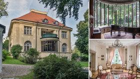 Honosná vila v pražské Bubenči: Bydleli v ní diplomaté, nyní je na prodej. Majitelé požadují 160 milionů