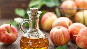 Co umí jablečný ocet? Využijte ho nejen v kuchyni, ale i v péči o tělo nebo o domácí mazlíčky